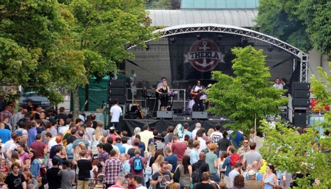 Harbour Festival4 Plaster