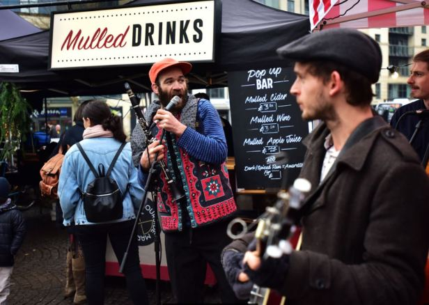 Harbourside xmas market music