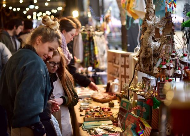 Harbourside xmas market stalls